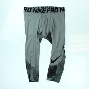 Mens 3/4 Length Compression Tights Grey Black Camo